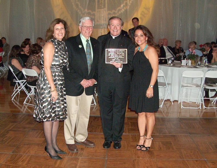 news_church-recieves-plaque_queens-chronicle